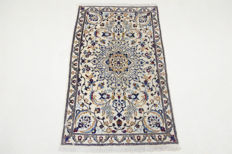 Persian carpet, Nain with silk – 140 x 88 cm