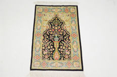 Collectors item, very beautiful Turkish Hereke Silk on silk (11 X 11 knots /cm), signed HEREKE, 102 X 70 cm. No.:  5601