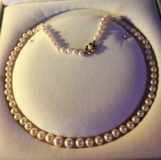 Necklace in genuine Cultured Pearls. Length: 54 cm **Period: 1950-60**