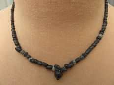 Roman Empire- Necklace with black iridescent glass beads - 41 cm.