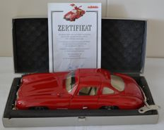 Märklin, Germany - Length: ca.33 cm - Red sheet metal Mercedes 300 SL with clockwork drive, 1993