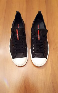 Prada – men's low top sneakers – size 43 IT