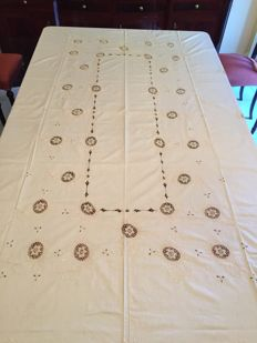 Linen tablecloth + 12 napkins