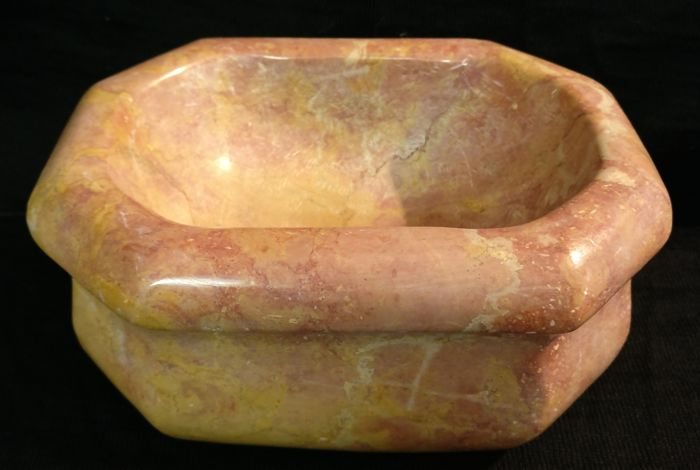 Geometrical Yellow Royal marble stoup - Italy, Florence - mid 19th century