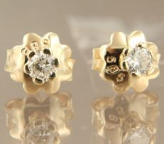 14k yellow gold solitaire studs with brilliant cut diamond, 0.20 ct in total - 3.4 mm - No Reserve Price