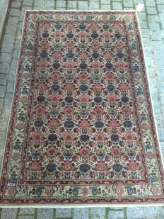 Antique handmade Anatolian Turkish Sivas carpet - 128 x 196.