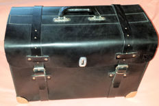 Tool case for your classic car - Sturdy black leather