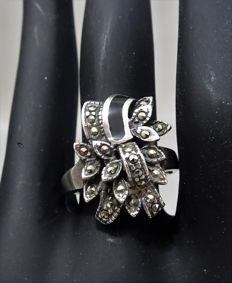 925 silver ring with marcasite and enamel - 1950/1960.