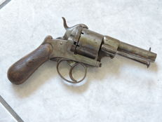 Lefaucheux pin fire revolver calibre 1870 19th century.