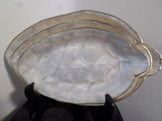 Three mother-of-pearl vintage plates in the sign of a leaf, mid 20th century