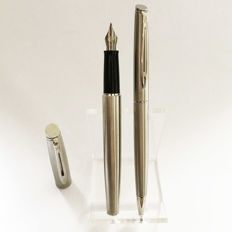 Waterman Hemisphere pen set: Fountain Pen  and a Ballpoint Pen in Brushed Steel CT - NEW