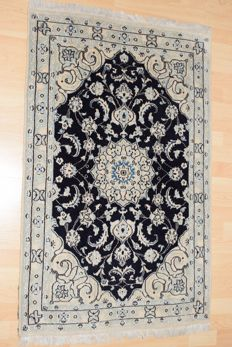 Persian carpet, Nain with silk – 20th century - 125 x 78 cm