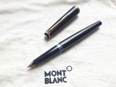 Montblanc No. 22 fountain pen - 14 carat gold nib (F)