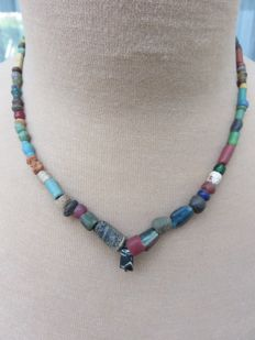 Archaeological beaded necklace with glass and stone beads - Bronze age to Middle ages - 44 cm + 1 cm.