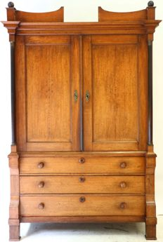 Louis XVI oak cabinet with full pillars - The Netherlands - ca. 1780