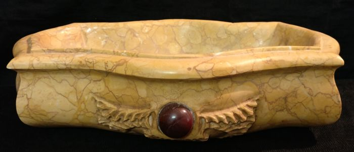 Wavy Yellow Verona marble stoup with a Red Porphyry central frieze, entirely hand carved - Italy, Venice - early 21st century