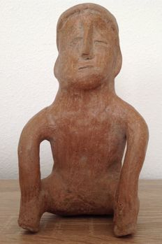 Pre-Columbian Jalisco seated male figure - Mexico - 18 cm