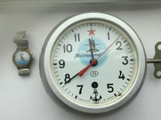 Original Russian CCCP Navy submarine clock - January 1980 - an original Russian Military Vostok Komandirsky watch - 20th century