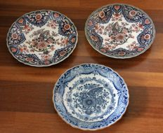 Tichelaar Makkum - Three decorative bird plates