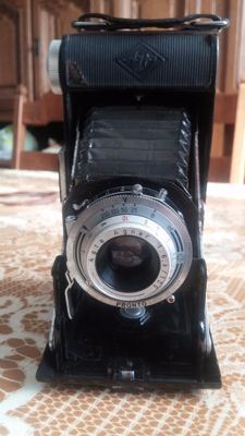 Agfa Billy I Folding camera with Agfa-Anastigmat Apotar f4.5/10.5cm Lens