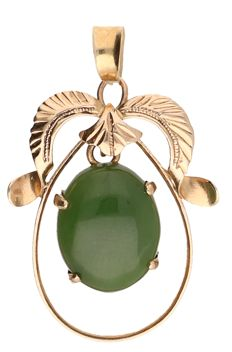 14k - Yellow gold pendant set with jade - 28 mm x 19 mm