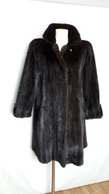 Mink fur coat – dark mahogany