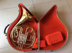 Horn Holton T600 gold lacquer in very good condition