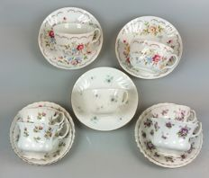 Royal Albert - 7 English bone China cups & saucers