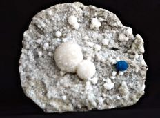 Beautiful cavnsite specimen with mordenite balls on micro heulandite matrix - 11.5 x 10.5 cms - 350 gms