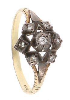 14K - Yellow gold rosette ring set with 7 diamonds of 0.09 ct in total set in silver setting - Ring size: 18 mm