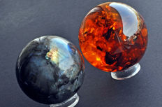 Labradorite and Synthetic Amber spheres - 7.1cm - 522gm - 7.5cm - 260gm