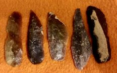 Mid-Paleolithic interesting lot of five knife  -  58 / 60 / 55 / 68 / 65 mm  (5)