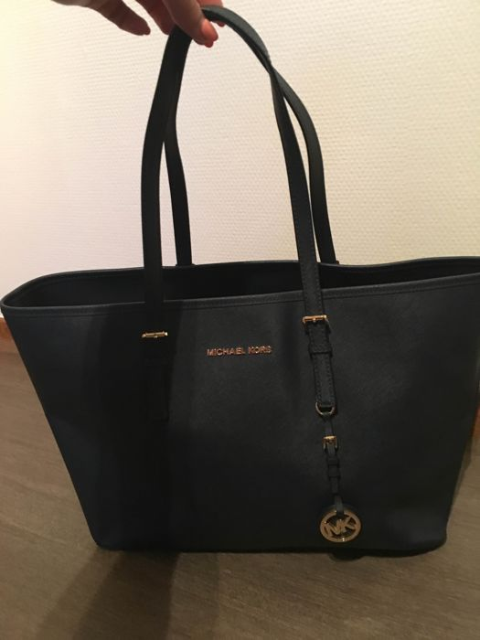 232fec628aacd ... amazon michael kors shopper bag 4f12b 38b9d wholesale lyst michael  michael kors jet set ...