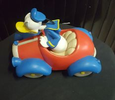 Disney, Walt - Figure - Donald Duck in red car (ca. 2010)