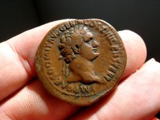 Roman Empire - Domitian (81-96 A.D.), bronze as (11,11 g. 28 mm.), Rome mint, 95-96 A.D. FORTVNAE AVGVSTI.