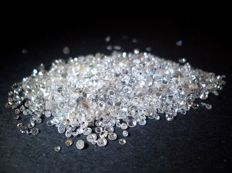 3 lots of assorted diamonds – total carat weight: 18 ct. Stones from 0.01 to 0.15 ct each – Colour from D to I – Clarity from IF to SI.