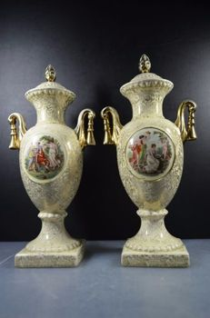 Empire England - Set with two crackle vases with gold coloured flower design