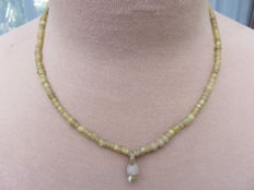 Roman Empire - Necklace with yellow iridescent glass beads - 46 cm + 1.5 cm
