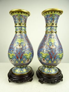 Two exceptional cloisonné vases - China - 1960s - 1970s