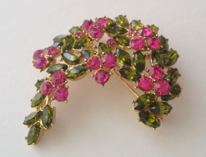 Crown Trifari Alfred  Philippe Gold Plated Floral Brooch