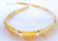Necklace made of opal beads and 585/1000 gold clasp and 585/1000 gold beads – length: 45 cm