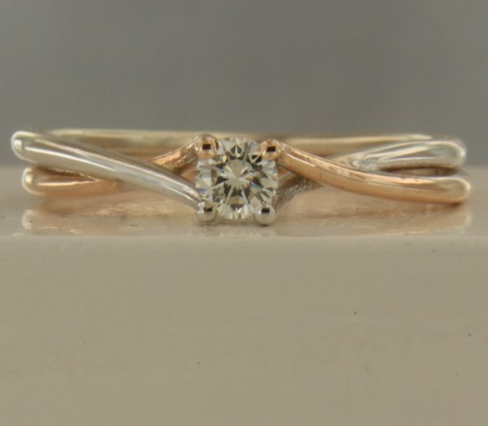 14 kt bi-colour gold solitaire ring with 0.10 carat brilliant cut diamond - 56(EU)