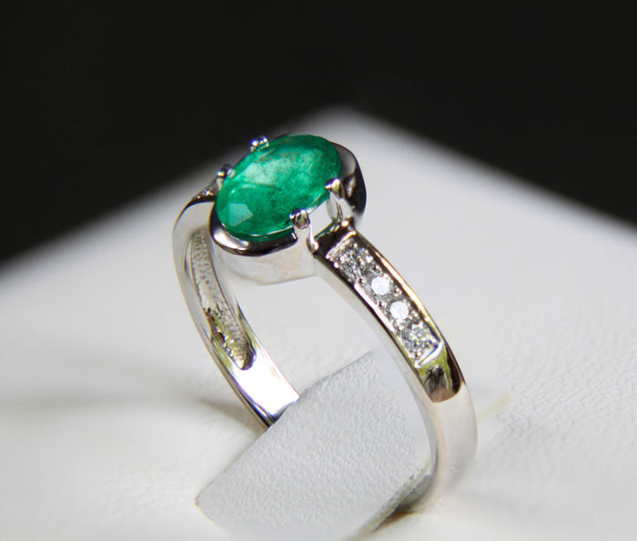 14k Gold ring with emerald and diamonds.  *Free shipping* *Free resizing*.