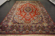 Magnificent hand-knotted vintage Persian carpet, mirror, Kirman, signed by weaver, 260 x 360 cm, made in Iran