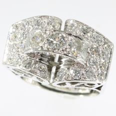 Retro platinum diamond ring from the fifties