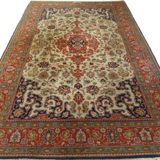 Signed Kayseri - 310 x 198 cm - large, oriental carpet in beautiful condition.