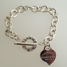 "Tiffany & Co. – ""Return to Tiffany"" Heart Tag Toggle Silver Bracelet - Women"