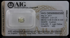 2.01 ct. Natural Fancy Light Yellow Diamond Vs2