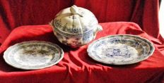 Set: soup tureen, serving plate and its 10 plates the cottage Lunevile