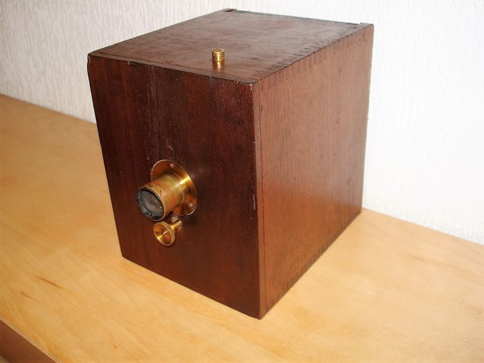Antique dry plate camera of approx. 1890